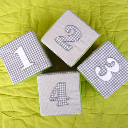 Cubes brodés chiffres