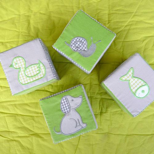 Cubes mousses brodés animaux